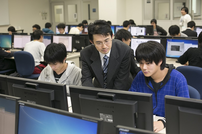 大学 moodle 電気 通信 大阪